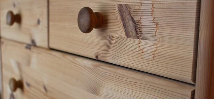 Holzkommode oder Unterbettkommode für Stauraum